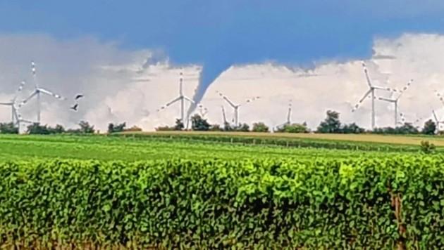Ein Tornado im Seewinkel im Burgenland (Bild: Friedrich Karl Heider)