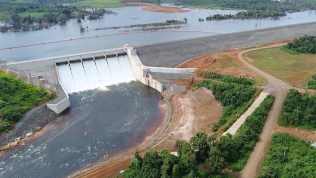 Dieser seit 2013 im Bau befindliche Damm ist gebrochen. (Bild: www.tractebel-engie.com)