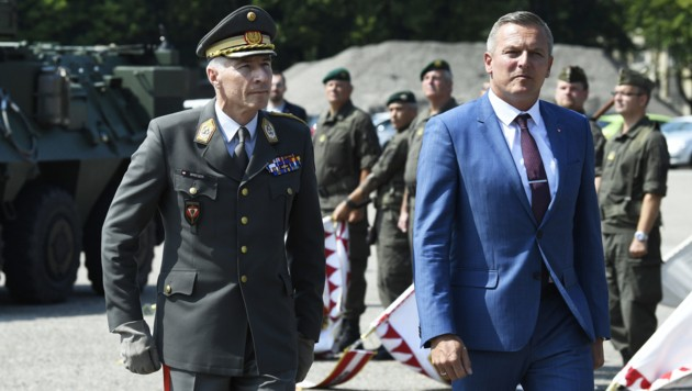 Robert Brieger (links) und Mario Kunasek (Bild: APA/ROBERT JAEGER)