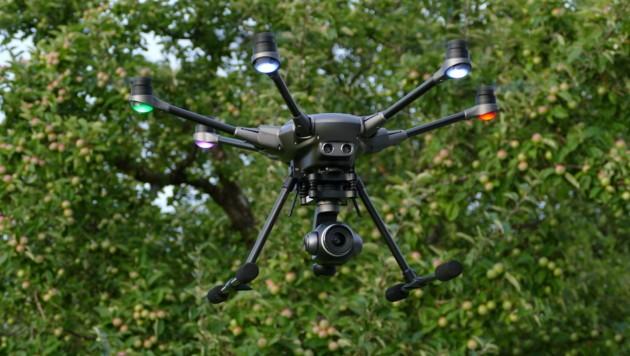 Intels RealSense-Kameras wurden unter anderem in Drohnen wie die Yuneec Typhoon H Pro eingebaut. (Bild: Dominik Erlinger)