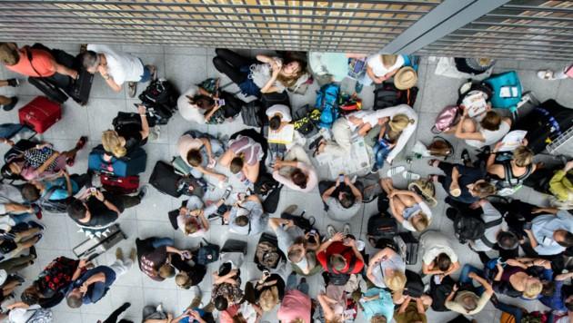 Flughafen München: Immer noch Tausende gestrandet