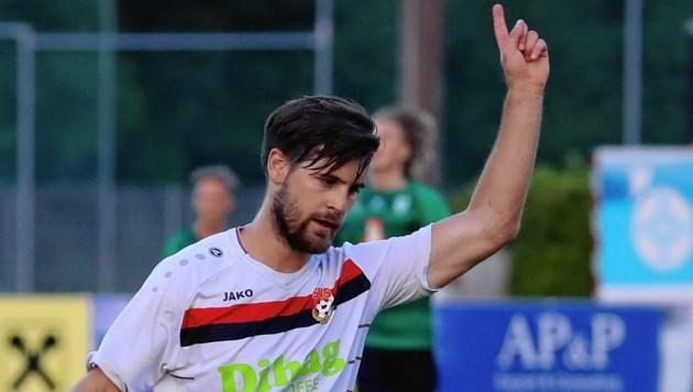 Seekirchens Taferner schnürte zum Westliga-Saisonstart einen Triplepack beim Derby-5:2 in Grünau.