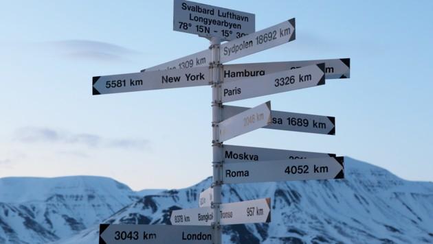 Ein Hinweisschild auf Spitzbergen (Bild: stock.adobe.com)