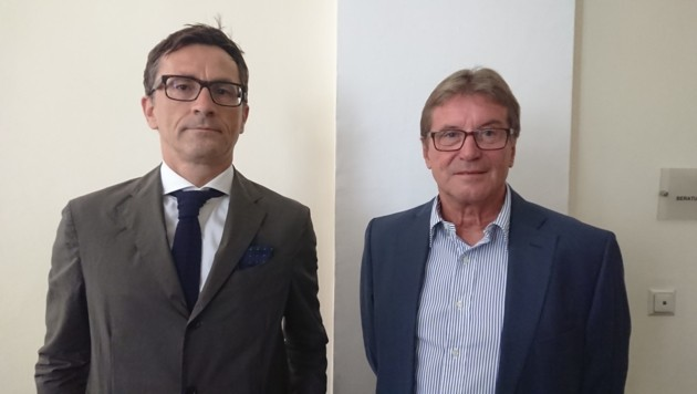 Max Kienzer (rechts) mit seinem Anwalt Vinzenz Fröhlich (Bild: Jakob Traby)
