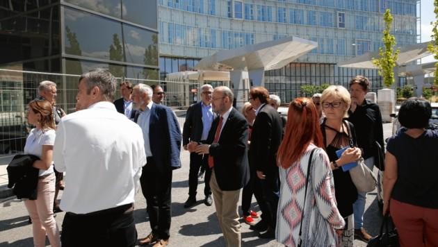 Die U-Kommission beim KH-Nord-Schauen (Bild: Martin A. Jöchl)