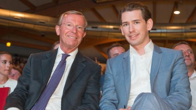 Salzburgs Landeshauptmann Wilfried Haslauer mit Bundeskanzler Sebsatian Kurz (Bild: APA/FRANZ NEUMAYR/MMV)