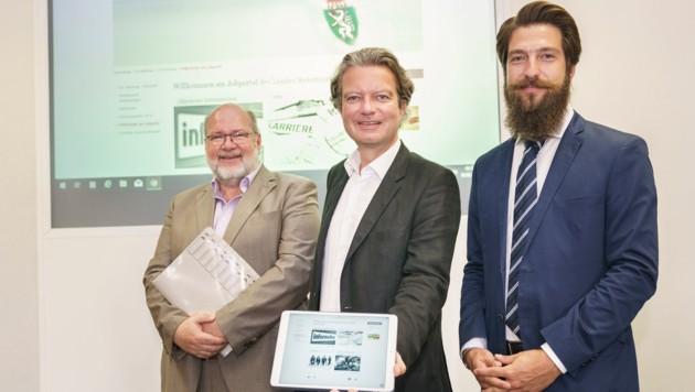 Von links: Hofrat Mag. Bernhard Langmann, Personallandesrat Mag. Christopher Drexler, Reginald Zenta (Partner-Firma eRecruiter (Bild: steiermark.at/Streibl)