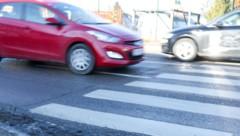 Ein Pkw-Fahrer (59) hatte die rote Ampel übersehen. (Symbolbild) (Bild: Daniel Scharinger)