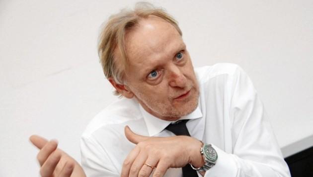 VP-Finanzstadtrat Günter Riegler hält sich mit Tadel zurück. Und: Die Hundeabgabe abzuschaffen sei richtig gewesen. (Bild: Kronenzeitung)