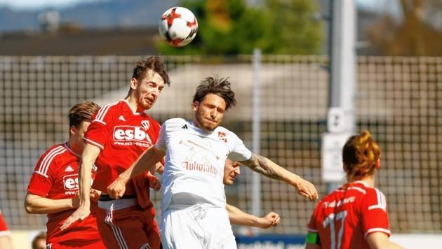 Salzburger Liga-Klub Altenmarkt (Salem in weiß) setzt in der neuen Saison zum Höhenflug an. (Bild: GERHARD SCHIEL)