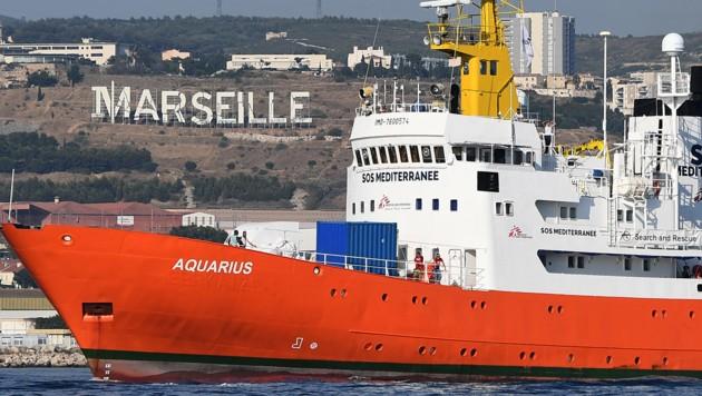 Die Aquarius beim Auslaufen aus dem Hafen von Marseille (Bild: AFP)