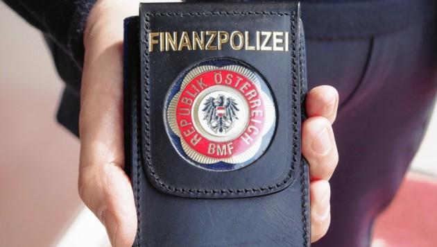 Ups, die Finanzpolizei ist da ... (Bild: Leitner Thomas)