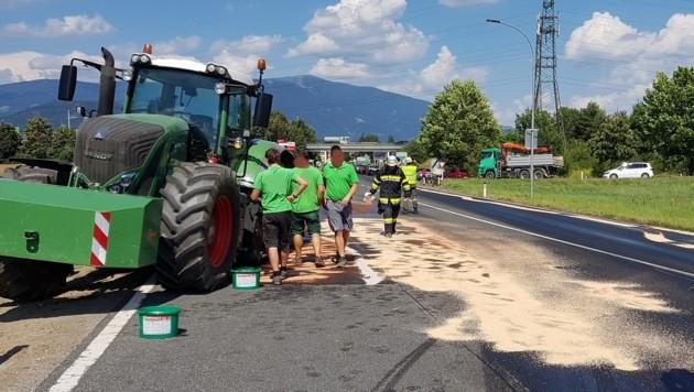 Dieselaustritt von Traktor in Villach Foto Hauptfeuerwache Villach (Bild: Hauptfeuerwache Villach)
