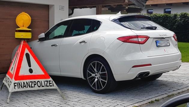 Keine Steuern hat der Verdächtige etwa für diesen Maserati gezahlt (Bild: Finanz Kitzbühel, APA/Nina Töchterle, krone.at-Grafik)