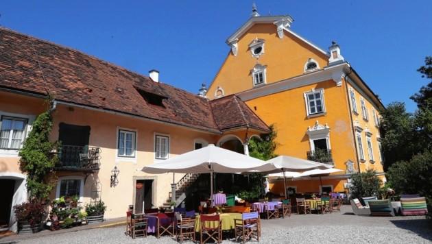 Eigentlich wollte Karin Kneissl auf Schloss Gamlitz heiraten. Andere Paare hatten aber schon vorher gebucht. (Bild: Juergen Radspieler)