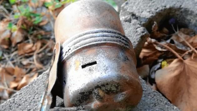 """Die italienische Handgranate hatte einen """"Rundum-Aufschlagzünder"""" (Bild: Polizei)"""