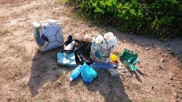 Fette Beute: Diesen Müll fand Leser Walter Hofer am Strand auf Sardinien. (Bild: Walter Hofer)