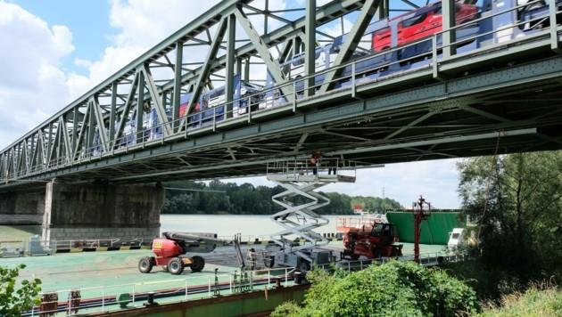 Die Sanierung der Donaubrücke Mauthausen konnte um drei Wochen früher beendet werden. (Bild: Horst Einöder)