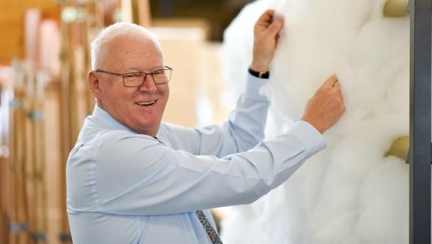 Peter Hildebrand (70) ist gemeinsam mit seiner Frau Cornelia Mehrheitseigentümer bei Betten Reiter. (Bild: Markus Wenzel)