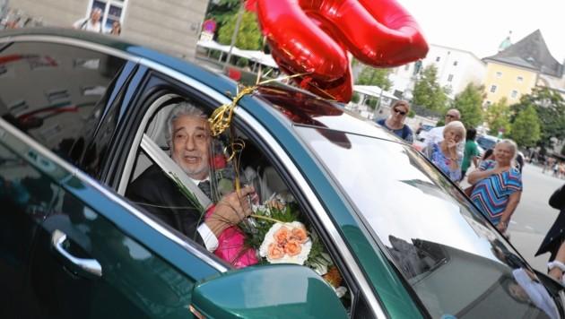 Ein Blumenmeer für den Opernstar Placido Domingo (Bild: www.neumayr.cc)