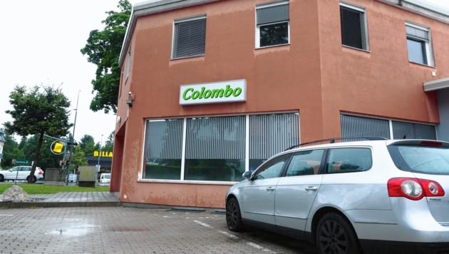 Bei einer konzertierten Aktion hat die Cobra auch in diesem Gebäude in Klagenfurt zugeschlagen. Es wurden Waffen, Munition, eine Maske beschlagnahmt. (Bild: Thomas Leitner)