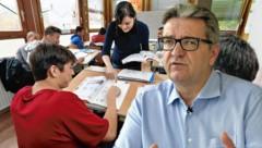 SPÖ-Sozialstadtrat Peter Hacker ist über die Sprachkenntnisse der Asylberechtigten alarmiert. (Bild: Jürgen Radspieler, APA/HERBERT PFARRHOFER, krone.at-Grafik)