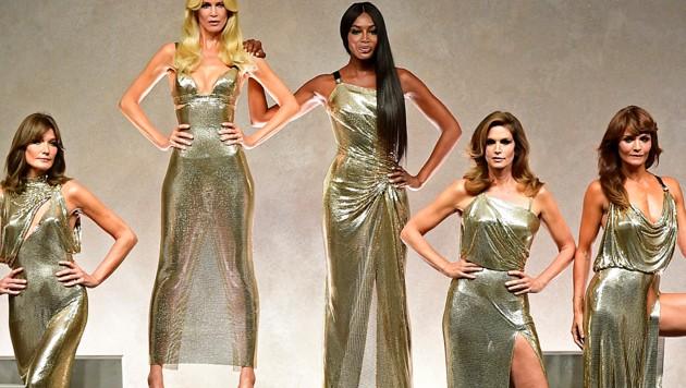 Die Topmodels der 90er: Carla Bruni, Claudia Schiffer, Naomi Campbell, Cindy Crawford und Helena Christensen (Bild: AFP or licensors)