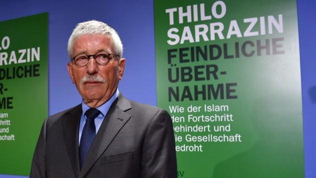 """Thilo Sarrazin bei der Präsentation seines Buches """"Feindliche Übernahme"""" (Bild: AFP)"""