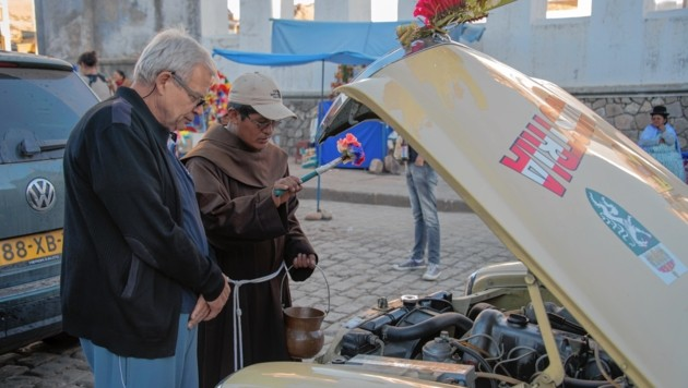 Auto-Segnung vor der Abfahrt in Lima. (Bild: FISCHER WALTER)