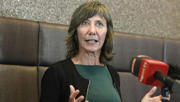 Sozialsprecherin Birgit Hebein (Bild: APA/HARALD SCHNEIDER)