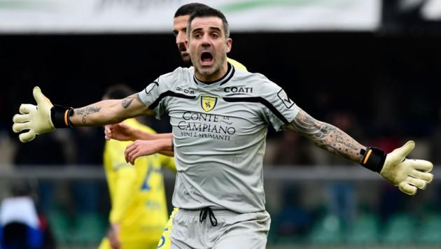 Chievo Veronas Tormann Stefano Sorrentino ist gar nicht glücklich über den Punkteabzug. (Bild: AFP)
