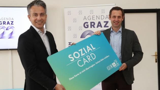 Sachleistung statt Geld - Blau-Schwarz reformiert die Sozialcard in Graz. Im Bild: VP-Sozialstadtrat Kurt Hohensinner und FP-Klubobmann Armin Sippel. (Bild: Juergen Radspieler)