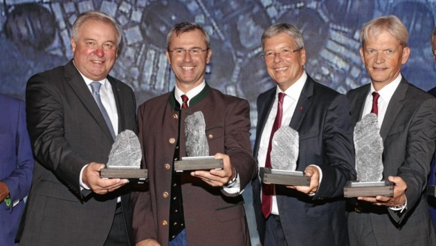 Hermann Schützenhöfer, Norbert Hofer, Peter Kaiser, Franz Bauer (von links) (Bild: Evelyn Hronek)