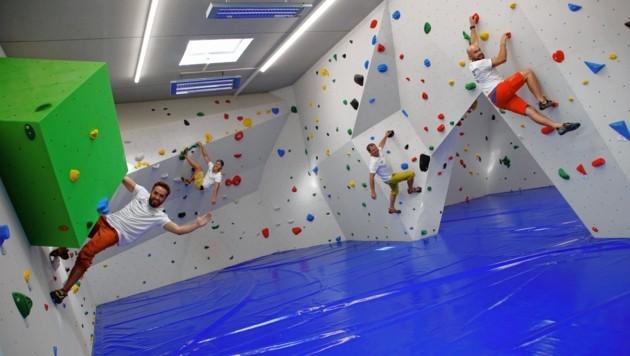 Die Boulderhalle der Naturfreunde wurde am Freitag eröffnet - sie steht neben dem Jugendgästehaus bei der Uni. (Bild: Rojsek-Wiedergut Uta)