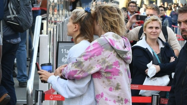 Hailey Baldwin und Justin Bieger vor dem London Eye