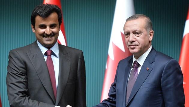Der Emir von Katar Hamad bin Khalifa Al-Thani mit Recep Tayyip Erdogan