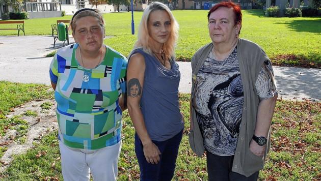Irene und Vanessa K. sowie Bibiane S.: Die Mieterinnen fühlen sich von der Frau massiv bedroht und fordern Konsequenzen. (Bild: Martin A. Jöchl)