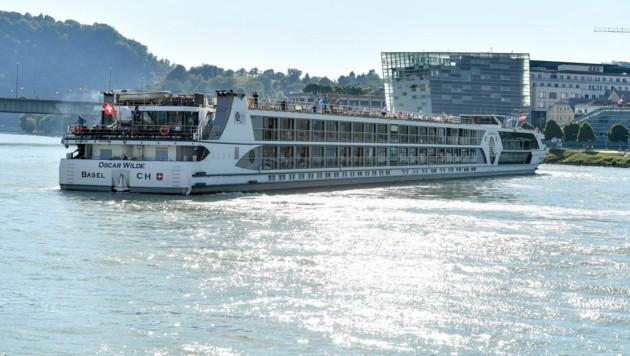 So könnte das Traunschiff aussehen, das in Thalheim vor Anker gehen wird. (Bild: Harald Dostal)