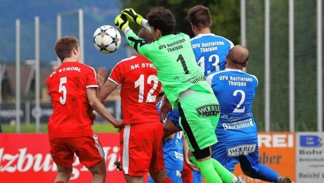 Thalgau wehrte die Strobler Angriffsbemühungen ab, feierte den erstem Heimsieg in der Salzburger Liga. (Bild: Andreas Tröster)