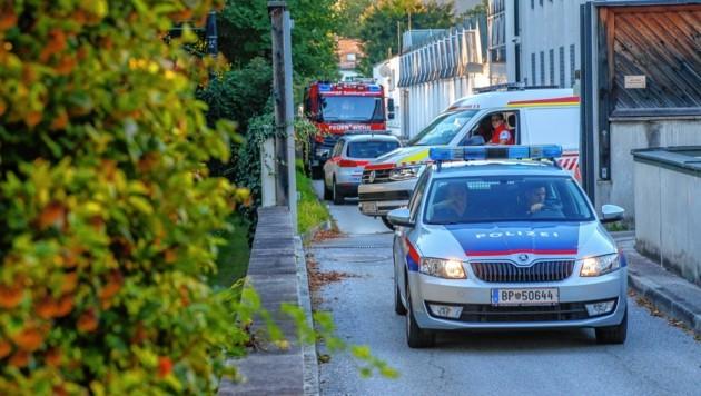 22 Mann der Berufsfeuerwehr sowie auch die Polizei waren im Einsatz: Der Brand konnte in zehn Minuten gelöscht werden. (Bild: Markus Tschepp)