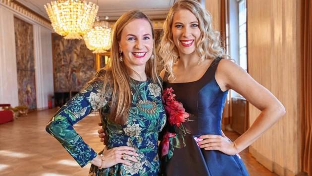 Frauenpower auf dem Opernball: Organisatorin Maria Großbauer mit Maria Santner (Bild: Starpix/ Alexander TUMA)