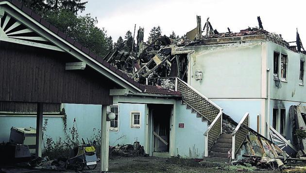 Die Brandruine steht schon fast zwei Jahre in Gramastetten
