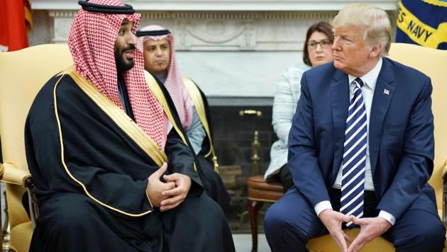 Mohammed bin Salman mit Donald Trump (Bild: APA/AFP/MANDEL NGAN)
