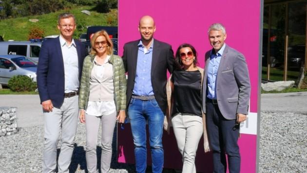 Die Experten Ralf Rosenberger, Barbara Egger, Christoph Raas, Monika Peer-Kratzer und Michael Rupp (v. li.). (Bild: Arthrose Forum Austria)