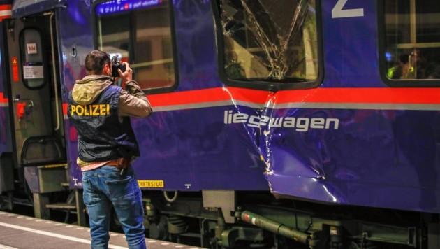 Um 4:46 kollidierten am 20. April zwei Waggons des Nightjets beim Verschub am Bahnhof