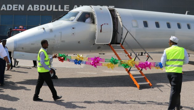 Die Maschine der Ethiopian Airlines nach ihrer Landung in Mogadischu