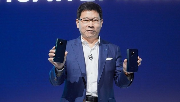 Hier enthüllt Huawei-Manager Richard Yu die Mate-20-Reihe. (Bild: Huawei)