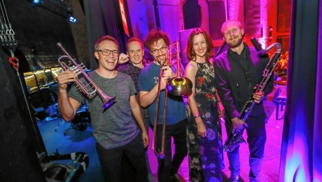 """""""Jazz & The City""""-Intendantin Tina Heine mit einem Teil des Trondheim Jazz Orchestra"""