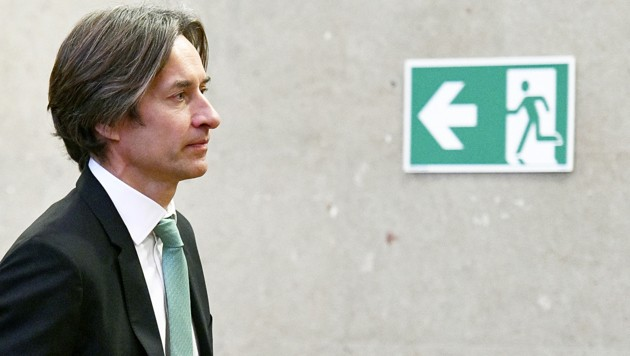 Karl-Heinz Grasser am Donnerstag im Wiener Straflandesgericht (Bild: APA/HANS PUNZ)