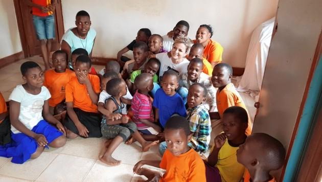Kinder in Uganda erhalten Hilfe aus Österreich und dadurch neue Perspektiven. (Bild: Stream of Life / Sigrid Grubök-Reymaier)